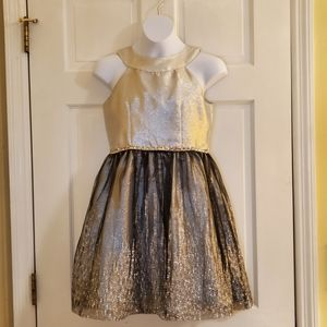 Emily West Silver, White, and Black Dress Size 12